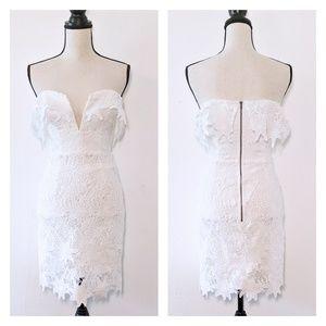 🆕NWT Astr the Label White Lace Off-Shoulder Mini